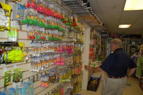 Customers%20at%20Fisherman%E2%80%99s%20Den%20North%20Bait%20%26amp%3B%20Tackle%20Shop%20aren%27t%20just%20locals%2E%20Fishing%20brings%20ppl%20from%20all%20over%20to%20suppo%E2%80%A6%20https%3A%2F%2Ft%2Eco%2FVWkTzvLQ4I