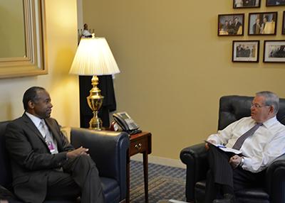 Sen. Menendez meets with HUD Secretary-designee Carson