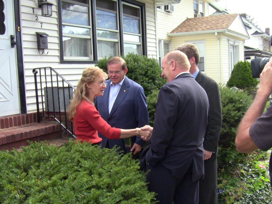 Real New Jerey Homeowners Meet With Senator Menendez, Secreatry Donovan in Elizabeth, NJ
