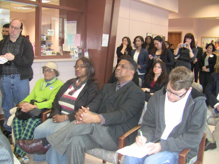 Menendez, Pallone at Monmouth Family Health Center Talk Expansion