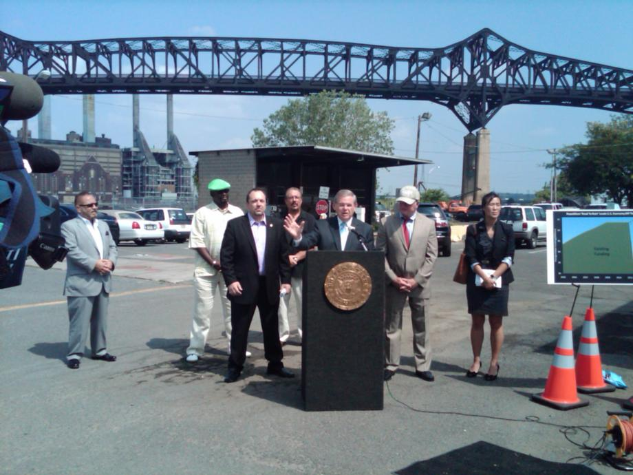 Menendez Meets with Transportation Advocates, Union Members to Call for Surface Transportation Reauthorization (Jersey City)