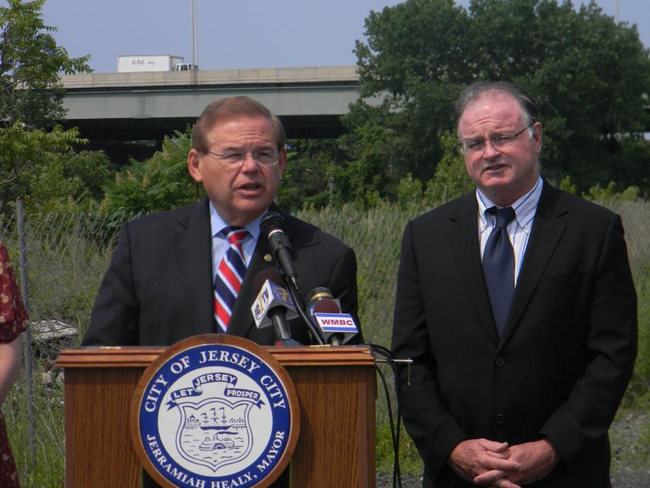Menendez Announces Grant to Clean Up Brownfields in Jersey City