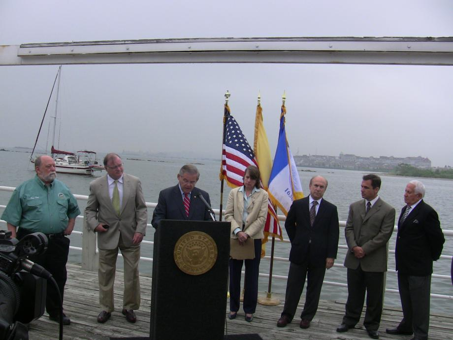 Discussing state preparedness for potential threat from gulf oil spill (Jersey City, NJ)