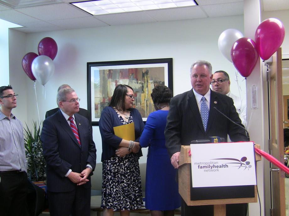 Ribbon Cutting of New Dental Office at Metropolitan Family Health Network