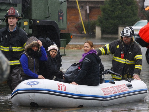 PHOTO #5. Moonachie residents guided to safey by emergency crews. Photo: Star Ledger