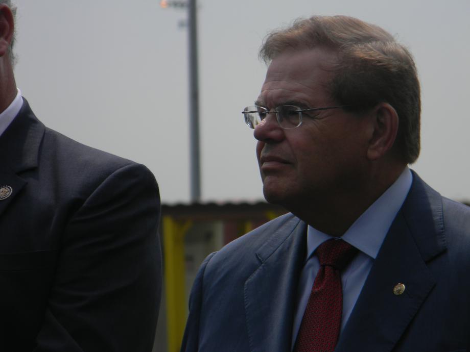 Menendez, DOT Secretary LaHood, Lautenberg, Sires Announce TIGER Grant for Port of New York and New Jersey