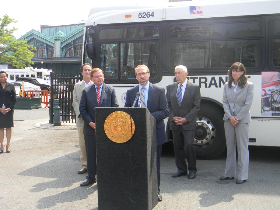 Menendez, Lautenberg Join US Top Transit Official for  Major Transportation Investment Announcement
