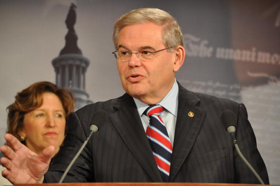 Menendez, Senate Democrats Warn GOP Filibuster of Cordray Nomination Will Hurt Middleclass   (Washington DC)