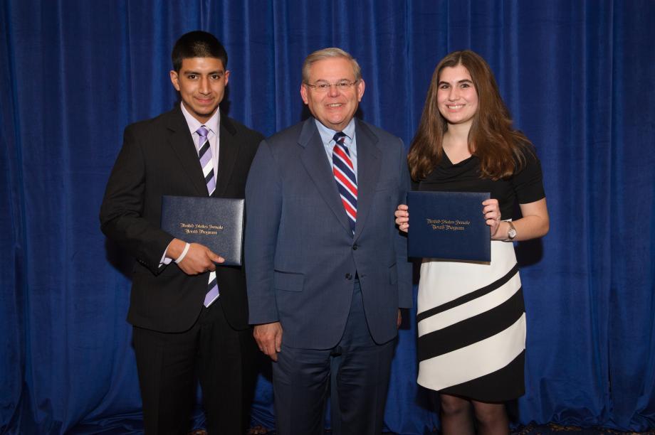 Senator Menendez Meets NJ Youth Delegates