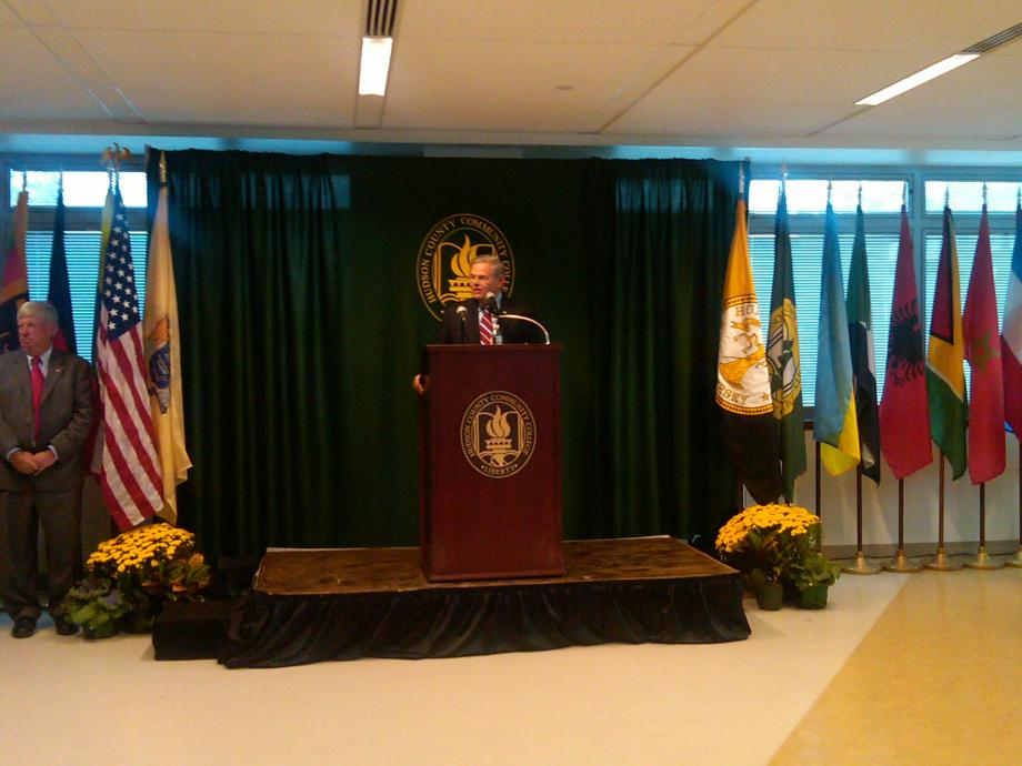 Menendez Attends Hudson County Community College Ribbon Cutting (Union City, NJ)