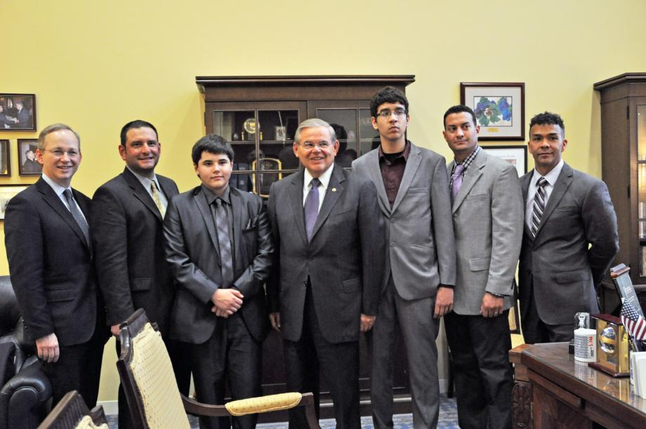 Senator Menendez meets with students and faculty from Oliver Street Elementary School, who were the finalists of the Samsung Solve for Tomorrow contest.