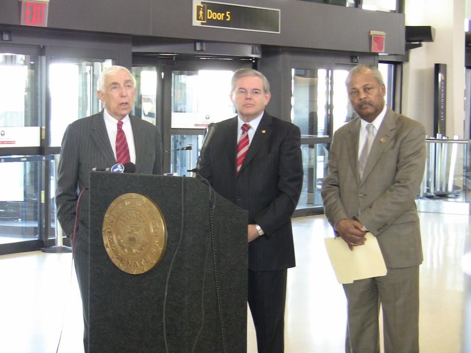 Menendez, Lautenberg call on TSA To Make Immediate Security Upgrades (Newark, NJ)