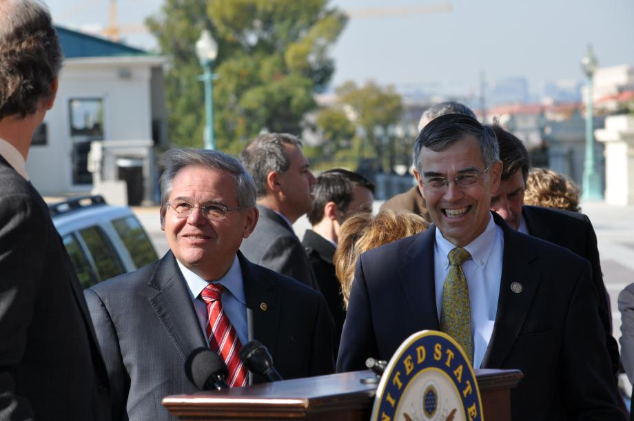 Super Committee Must End Super Subsidies to Big Oil, says Menendez, Democrats (Washington DC)
