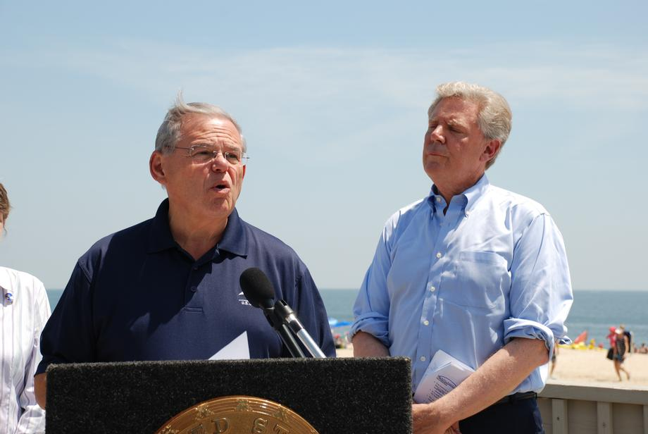 Menendez, Pallone Announce Bill to Protect Water Quality, Public Health at Jersey Shore